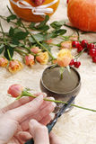 How to make bouquet of roses and chrysanthemums  tutorial Stock Image