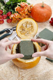 How to make a Thanksgiving centerpiece - step by step Stock Images