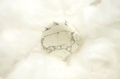 Howlite en algodón Foto de archivo