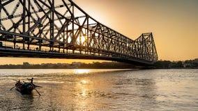 Howrah most w czasie wschodu słońca obrazy royalty free