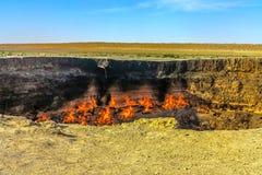 Hoyo 01 del cráter del gas de Darvaza imagen de archivo libre de regalías