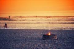 Hoyo del fuego de la playa Fotos de archivo