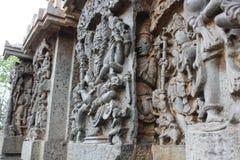 Hoysaleshwara雕刻在其他一墙壁雕刻后的寺庙墙壁 库存照片