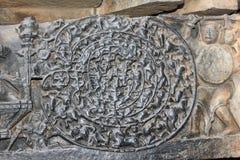 Hoysaleswara tempelvägg som snider visa chandravyuhaen forntida militärt bildande Royaltyfria Bilder