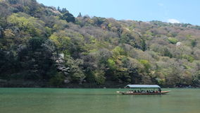 Hozugawa河,在Arashiyama附近,京都,日本 图库摄影