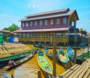 Hpaung Daw U寺庙, Inle湖,缅甸大厦  库存照片