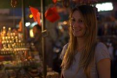 Hppy i den orientaliska marknaden Arkivbilder
