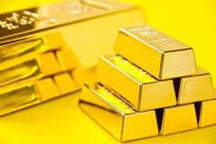 hq золота штанг 3d представляет ультра Стоковые Изображения