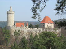 Hrad KokoÅ™Ãn 城堡Kokorin cesky捷克krumlov中世纪老共和国城镇视图 库存图片