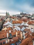 Hradcany和圣尼古拉斯教会在布拉格 免版税库存照片