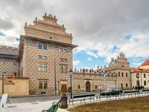 Hradcany fyrkant, Schwarzenberg slott, Prague royaltyfri bild