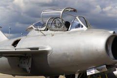 HRADEC KRALOVE, TJECKIEN - SEPTEMBER 5: Strålkämpeflygplan Mikoyan-Gurevich MiG-15 framkallade för det Sovjetunionen anseendet Royaltyfria Bilder
