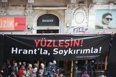 Hrant Dink Denkmal in Istanbul Stockfotos