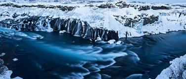 Hraunfossar瀑布在冬天,冰岛 库存图片