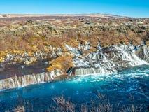 hraunfossar водопад Исландии стоковое изображение