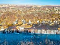 hraunfossar водопад Исландии стоковые фотографии rf
