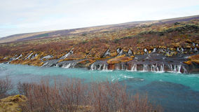 Hraunfossar水平的瀑布在Icealand 美丽和maje 图库摄影
