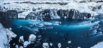 Hraunfossar siklawa w zimie, Iceland fotografia stock