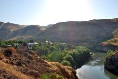 Hrazdan rzeka w Argel, Armenia zdjęcia stock