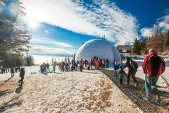 HREBIENOK, SLOVACCHIA - 6 GENNAIO 2016: Vista esterna della cupola del ghiaccio, Fotografia Stock Libera da Diritti
