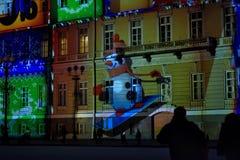 Hristmas färgrik ljus show på slottfyrkanten Arkivbilder
