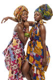 Härlig afrikansk modemodesl i traditionell klänning. Arkivbild