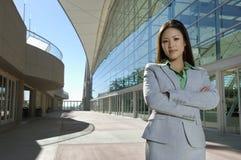 Härlig asiatisk affärskvinna Fotografering för Bildbyråer