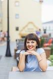 härlig caucasian ståendekvinna Fotografering för Bildbyråer