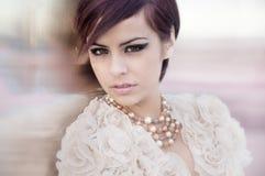 härlig elegant modemodell Fotografering för Bildbyråer
