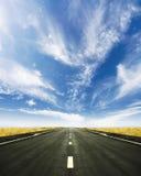härlig för horisont vägfjäder ingenstans till Fotografering för Bildbyråer