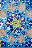 Härlig gammal arabisk keramisk tegelplatta med den blom- prydnaden, Tbilisi Arkivbild