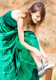 härlig klänningflickagreen Royaltyfri Foto