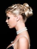härlig kvinna för frisyr s Royaltyfria Foton