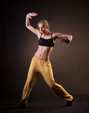 Härlig kvinna i rörelse Arkivbild