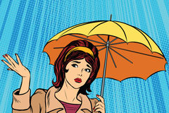 Härlig ledsen flicka i regn med paraplyet, dåligt väder Royaltyfria Bilder
