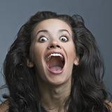 härlig sinnessjuk skrikig kvinna Royaltyfri Bild