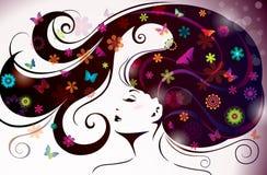 Härlig stilkvinna med blommor och Butterflie Arkivbild