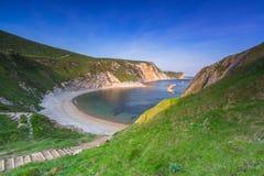 Härlig strand av ståndsmässiga Dorset, UK Arkivbild