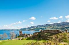 Härlig Urquhart slott i Skottland, Loch Ness Arkivfoto