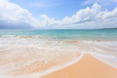 Härliga Nai Yang Beach, Phuket, Thailand Royaltyfria Foton