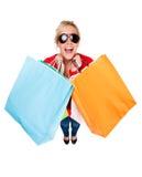 härligt fira shoppingkvinnabarn Arkivfoto