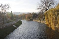 Hronrivier in Banska Bystrica, Slowakije stock foto