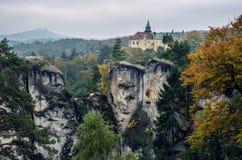 Hruba Skala城堡在漂泊天堂,捷克 免版税库存图片