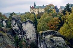 Hruba Skala城堡在漂泊天堂,捷克 图库摄影