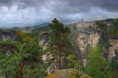 Hruba-skala Schloss, Böhmen, Tschechische Republik - Herbstbild Lizenzfreie Stockfotografie