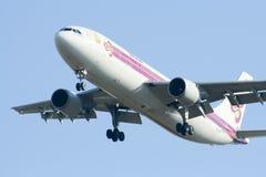 HS-TAW Airbus A300-600R de Thaiairway Foto de Stock