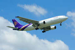 HS-TAW Airbus A300-600R de Thaiairway Imagens de Stock