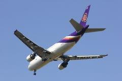 HS-TAZ Airbus A300-600 de Thaiairway Imagem de Stock Royalty Free