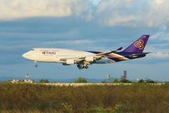 HS-TGA Boeing 747-400 de Thaiairway Photographie stock libre de droits