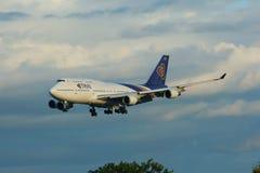 HS-TGA Boeing 747-400 de Thaiairway Image stock